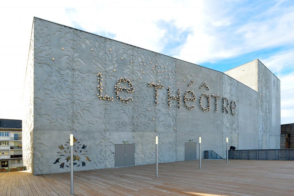 Inauguration Theatre 058